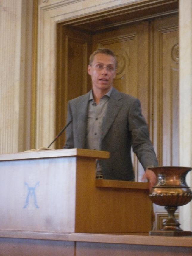 Tänään esillä mm. ulkopolitiikka ja isäntänä ulkoministerimme Alexander Stubb.