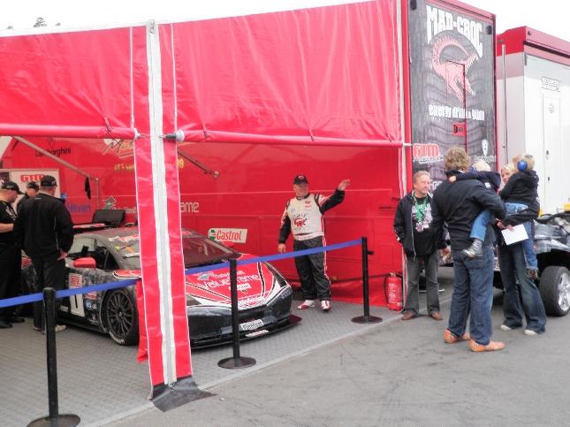 Mikko Eskelinen varmisti GT3-luokan mestaruuden jo eilen päätösviikonlopun ensimäisenä päivänä. Hyvä niin sillä tänään Lambo sanoikin sopimuksessa irti ja Mikon kisa jäi kesken.
