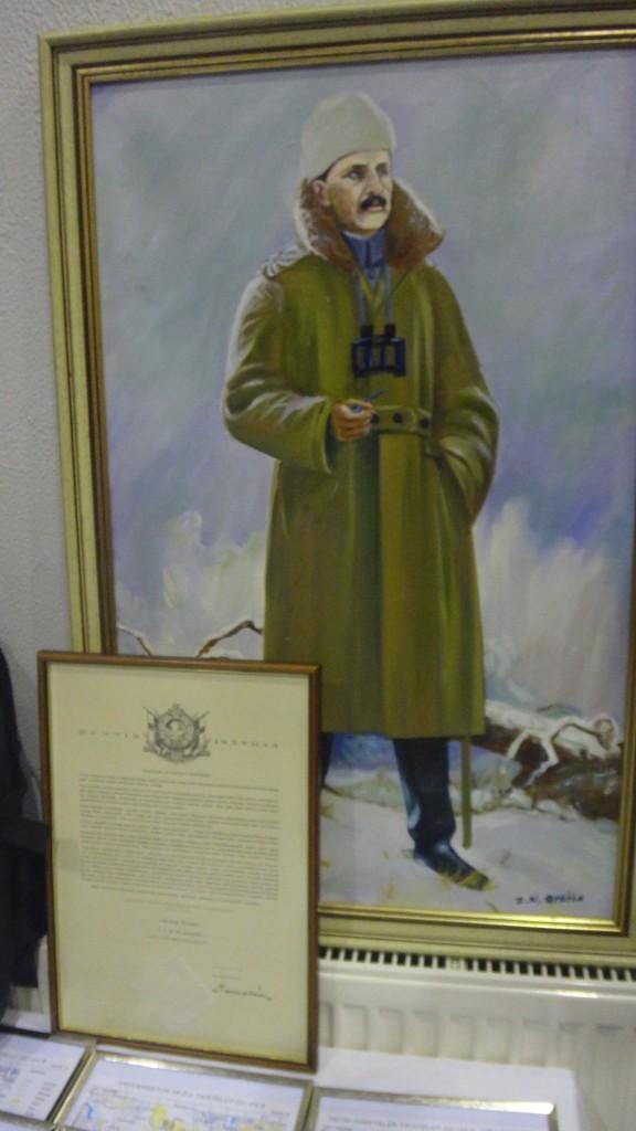 Lahjoitin Kallenpäiville suuren Mannerheim öljyväriteoksen ja aidon Lotan kunniakirjan Talvisodasta Mannerheimin allekirjoituksella. Tavaroilla saatiin 1000 euroa alueemme sotaveteraanien ja invalidien hyväksi.