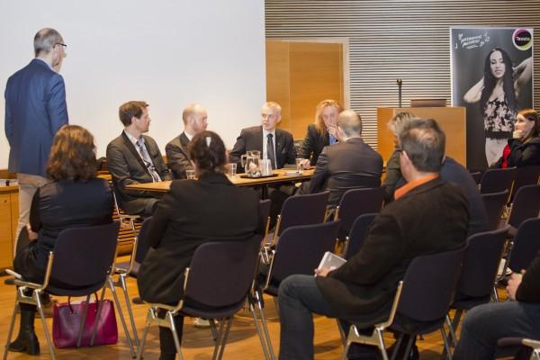 Tänään eduskunnassa Teoston Kulttuurikummi tilaisuudessa paneelissa mm. Tommi Läntisen ja Sampo Terhon kanssa.