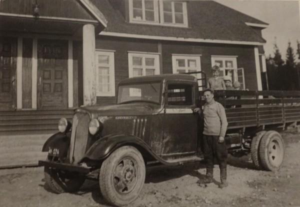 Chevrolet ja Komppa eli Paavo Heteranta.