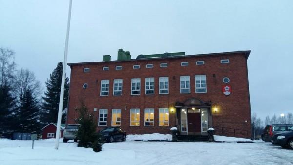 Lammin Turvatalolla tänään puhumassa Ydin-Hämeen Kokoomuksen kevätkokouksessa taloudesta ja hieman turvallisuuspolitiikastakin. Mukava ilta. Nyt vielä pakko mennä Helsinkiin...