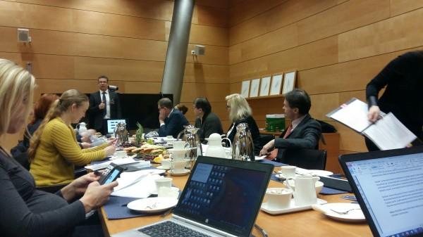 Valtionliikuntaneuvosto linjasi urheilun rahoitusta ja urheiluopistojen rakentamista.