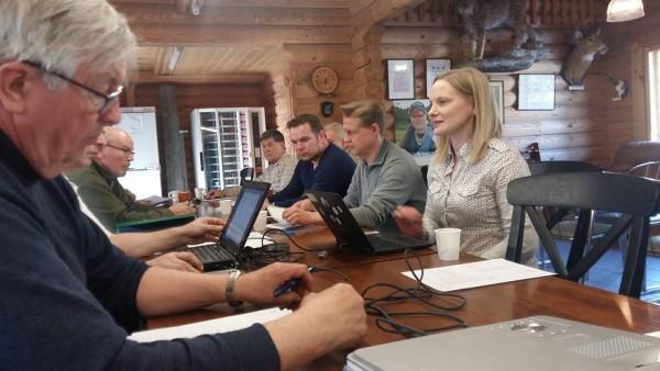 Metsähallituksen Riikka Hurskainen kertoi tänään Lopen Ampumaradan vuosikokouksessa Eräkummi-hankkeesta. Lapsille ja koululaisille vastuullista eräkasvatustyötä.