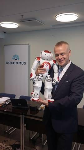 Tapasin tänään Zoran maailman ensimmäisen hoiva-alalle kehitetyn humanoidirobotin. Se työskentelee ihmisten pareissa palvelutaloissa, sairaaloissa ja kouluissa.