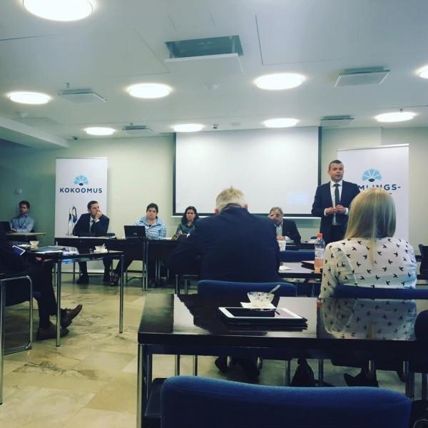 Kokoomuksen puheenjohtaja Petteri Orpo kertoo tulevista linjauksista eduskuntaryhmälle 16.6.2016.