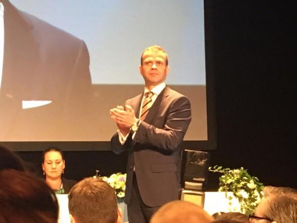 Kokoomuksen uusi puheenjohtaja Petteri! Tämä on tärkeä ja iso päivä minullekin.